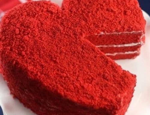 کیک مخملی قرمز ، یادآور یک عاشقانه دوست داشتنی