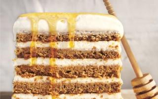 طرز تهیه کیک عسلی هشت لایه روسی